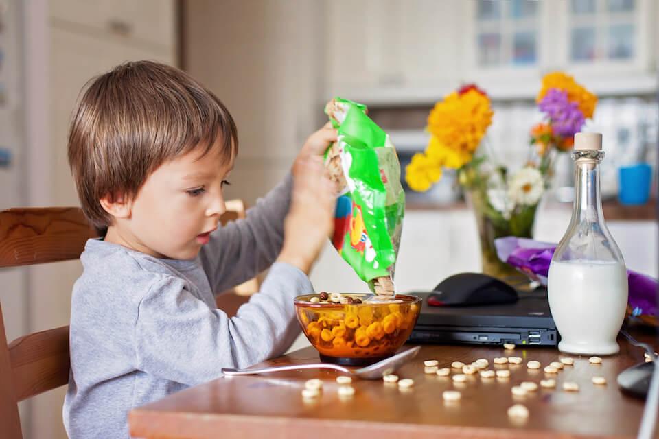 Børns sukkerindtag skal begrænses i engelsk kampagne