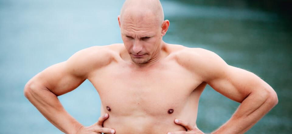 Med en vejrtrækning kan vi stresse af – det rådgiver fridykker Stig Severinsen blandt andet i.