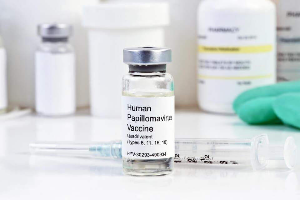 Hvorfor kan vi ikke debattere den viden om HPV-vaccinerne, som er kommet frem? Kronik ved Mette Kenfelt